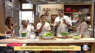 Suco antioxidante recupera as energias para 2017 - A chef Andrea Henrique dá receita de suco revigorante que pode ser usado pós-ressaca de réveillon