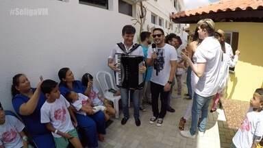 Waldonys, Igor Guerra e Nathan Loketa visitam projeto HumanArte e Risonhos em dia especial - Se Liga VM grava programa de Ano Novo com crianças do Hospital Infantil Albert Sabin, em Fortaleza.