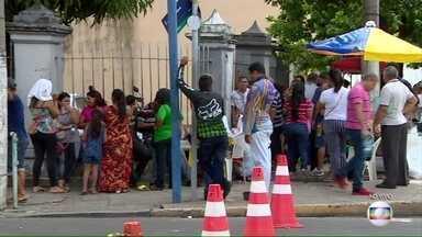 População de Manaus vive clima de insegurança após massacre - A cadeia para onde foram transferidos 286 presos fica no centro da cidade. Na noite de domingo (8), houve um tumulto e dez presos ficaram feridos e quatro foram mortos.