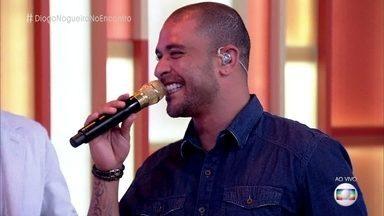 Diogo Nogueira canta 'Batendo a Porta' no 'Encontro' - O cantor comenta o projeto 'Samba Book' que homenageia Jorge Aragão