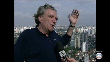 Corpo de Carlos Bratke vai ser enterrado nesta terça-feira (10) em SP - O arquiteto e urbanista tinha 74 anos e morreu nesta segunda-feira (9), na capital. A causa da morte ainda é desconhecida. Bratke ajudou a projetar a região do Brooklin, que se tornou importante centro empresarial em São Paulo.