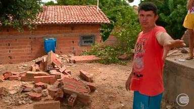 Precariedade em construções antigas no centro de Teresina deixa alerta para desabamentos - Precariedade em construções antigas no centro de Teresina deixa alerta para desabamentos