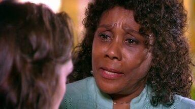 Valda confirma história de Sarmento para Cida - Ela conta toda a verdade para a afilhada