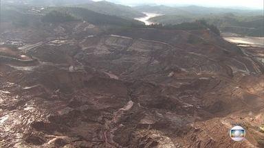 Samarco entrega a secretaria plano para recuperar áreas degradadas no complexo de Germano - Documento propõe diretrizes para regenerar a barragem de Fundão.