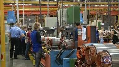 Com menos vagas e menor produção, indústria catarinense busca retomar fôlego - Com menos vagas e menor produção, indústria catarinense busca retomar fôlego