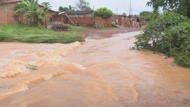 Chuva forte causa prejuizos aos moradores de Cacoal - Chuva forte causa prejuizos aos moradores de Cacoal