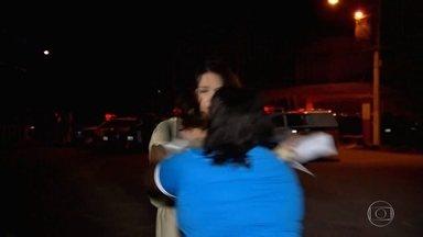 Resultado de imagem para Repórter da TV Globo Minas é agredida em transmissão ao vivo sobre motim em presídio