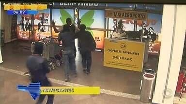 Polícia procura quadrilha que assaltou carro-forte em Navegantes; veja giro de notícias - Polícia procura quadrilha que assaltou carro-forte no aeroporto de Navegantes; veja giro de notícias