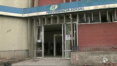 Pessoas reclamam da demora no agendamento para perícia médica do INSS em Caruaru - Só por meio dessa perícia, é que se pode dar entrada em benefícios como o auxílio doença ou aposentadoria por invalidez.