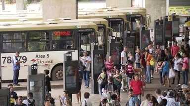 Passagens de ônibus e metrô estão mais baixas no DF - Mas as ideias para diminuir o rombo no sistema de transporte não saíram do papel.
