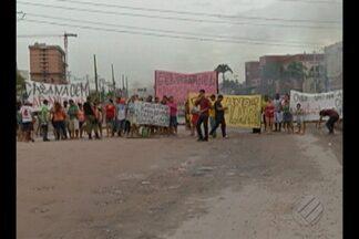 Protesto de moradores da Cabanagem interditou avenida Augusto Montenegro - Os manifestantes pediam melhorias no saneamento básico nas ruas do bairro da Cabanagem.