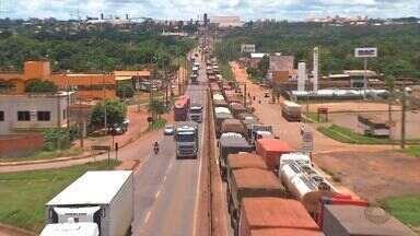 Depois de reunião, caminhoneiros decidem por fim aos bloqueios nas rodovias - Depois de reunião, caminhoneiros decidem por fim aos bloqueios nas rodovias