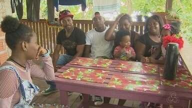 Família de colombianos assaltada em RR pede ajuda para chegar em Oiapoque - Colombianos contam que perderam tudo durante viagem até o Amapá. Em Macapá, um casal abrigou a família, mas enfrenta dificuldades.