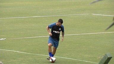 Amigo de Walter assina contrato e é apresentado no Goiás - Dodô firma vínculo com o Alviverde até o fim do Goianão