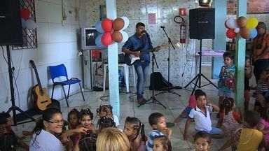 Conheça a obra de caridade de Almir do Picolé - Conheça a obra de caridade de Almir do Picolé.