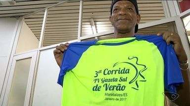 3ª Corrida de Verão TV Gazetal Sul acontece neste sábado (21), às 18h - A partida será na Praia Central de Marataízes. Em Cachoeiro, a entrega dos kits aconteceu nesta sexta (20).