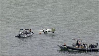 A Aeronáutica, o Ministério Público Federal e a Polícia Federal investigam o acidente - Ministério Público do Rio e Polícia Civil também abriram inquérito