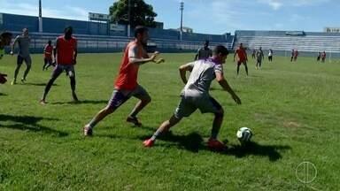Roxinho se prepara para penúltimo jogo na seletiva do Futebol Carioca - Assista a seguir.