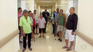 Mutirão faz cirurgias de quadril de graça em 40 pacientes de PE - Médicos americanos vem ao Brasil especialmente para o tratamento desses pacientes.