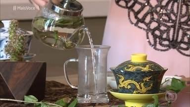 Especialista explica propriedades medicinais das plantas - Saiba escolher o chá certo