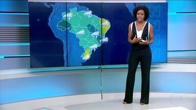 Sábado (4) tem previsão de chuva em boa parte do país - O tempo fica firme em boa parte da região Nordeste. No Rio, o calor permanece com pancadas de chuva.