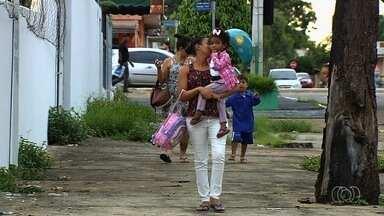 Pais reclamam de problemas em Cmeis que estão com poucos funcionários, em Goiânia - Eles temem que aulas fiquem comprometidas.