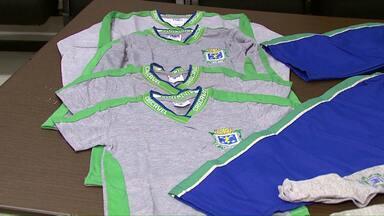 Prefeitura decide como vai ser feita a compra dos uniformes escolares em Cascavel - O grupo responsável pela compra não quer atrasos na entrega dos 28 mil kits aos alunos da rede municipal.