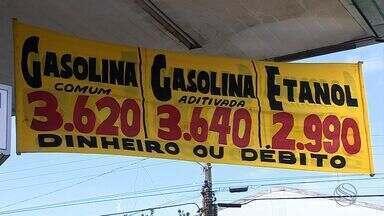 Em alguns postos, preço da gasolina é cobrado com diferença dependendo forma de pagamento - Em alguns postos, preço da gasolina é cobrado com diferença dependendo a forma de pagamento
