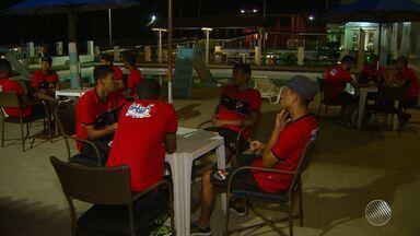 Flamengo de Guanambi chega a Salvador com a ausência de três titulares; veja - Veja as notícias do time do interior baiano.