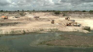 Cratera prejudica moradores no Salvador Lyra - Comunidade local se queixa do problema.