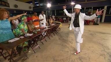 Acadêmicos do RJ: Charles Monroe, passista masculino - Charles Monroe, de 47 anos, é vendedor, mora em Campo Grande.