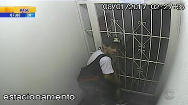 Câmeras flagram ação de assaltante em prédios no Centro de Porto Alegre - Assista ao vídeo.