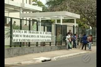 Em Parauapebas, funcionários do Hospital Geral fizeram um protesto em frente ao Fórum - Eles reclamaram que não estão recebendo salários desde dezembro do ano passado.