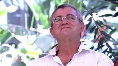 Ivson não segura a emoção ao rever eliminação - Participante do 'Fecha a Conta' conquistou a todos no reality