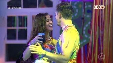 Fátima dá uma espiadinha na casa do 'BBB' e relembra alguns momentos entre Marcos e Emilly - Confira alguns momentos do reality