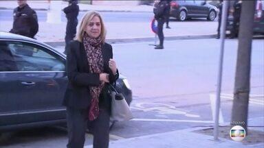 Irmã do rei da Espanha é absolvida pela Justiça, mas seu marido é condenado - Infanta Cristina foi absolvida, mas seu marido, Iñaki Urdangarín, foi condenado a seis anos e três meses de prisão por fraude, tráfico de influência e evasão fiscal.