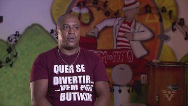 Intérprete Silvinho marca presença no carnaval santista - Ele é uma das referências da festa na cidade