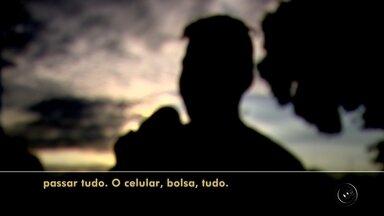 Número de casos de roubo aumenta em Rio Preto - Quatro roubos a pedestres foram registrados na noite desta quinta-feira (16) em São José do Rio Preto (SP). Em um dos casos, na avenida Alberto Andaló, região central da cidade, um rapaz chegou a ser agredido. Casos de roubo aumentaram 17% de 2015 para 2016 na cidade.