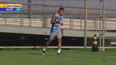 Pedro Rocha volta aos treinos no Grêmio - Assista ao vídeo.