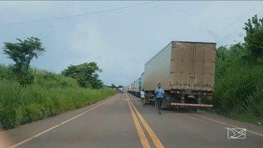 Liberada passagem de veículos na BR-010 no MA - A rodovia ficou mais de dez horas interditada por causa da erosão que atingiu o asfalto.