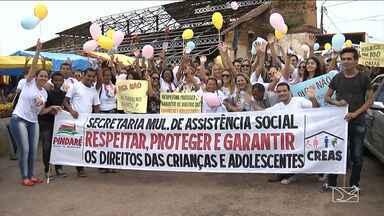 Caminhada mostra importância de crianças e adolescentes em Pindaré Mirim - Caminhada chamou a atenção da comunidade para a importância de proteger crianças e adolescentes de situações de risco, principalmente, no carnaval.