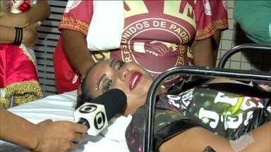 Porta-bandeira da Unidos de Padre Miguel pede desculpas pela sua queda no desfile - Jéssica Ferreira disse que teve uma torção no joelho e terá que ficar imobilizada por uns dias. Ela agradeceu a todos pela preocupação e que fez tudo pela sua comunidade.