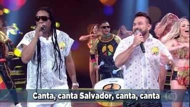Olodum canta 'Alegria Geral' - Grupo agita a plateia no domingo de carnaval