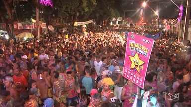 Centenas de foliões lotam praça da Cultura para curtir Carnaval em Imperatriz - Centenas de foliões lotam praça da Cultura para curtir Carnaval em Imperatriz