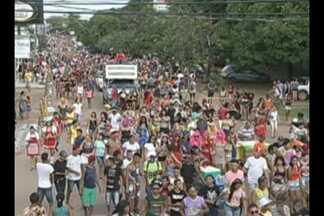 Foliões lotam ruas de Marabá no bloco Gaiola das Loucas - Bloco anima o Carnaval de Marabá há 35 anos.