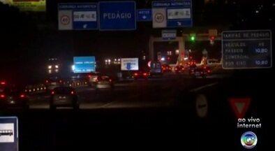 Rodovias de Sorocaba e Jundiaí têm tráfego normal na volta do feriado - As rodovias das regiões de Sorocaba e Jundiaí (SP) registram movimento normal nesta terça-feira (28), na volta para casa depois do Carnaval. A expectativa era de que 780 mil veículos passassem pelo sistema Castello Branco-Raposo Tavares e outros 950 mil na Anhanguera-Bandeirantes.