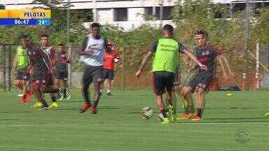 Inter treina após feriadão de carnaval - D'Alessandro não treinou.
