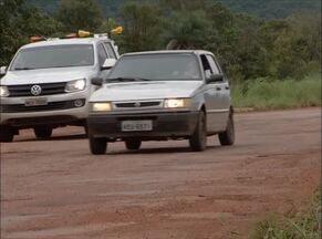 Motoristas reclamam de buracos na TO-020 - Motoristas reclamam de buracos na TO-020