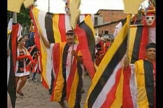 Os bois de máscaras ganharam as ruas e animaram os foliões em São Caetano de Odivelas - A tradição já existe há 12 anos na cidade