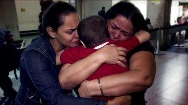 Leucemia em menino de 3 anos faz família buscar tratamento em São Paulo - A doença grave de um menino de 3 anos fez uma família inteira se separar. Parte ficou no Amapá e parte foi para São Paulo em busca da cura. A história combina amor, fé e muita garra.